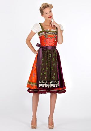 Dirndl Sophie, Lola Paltinger