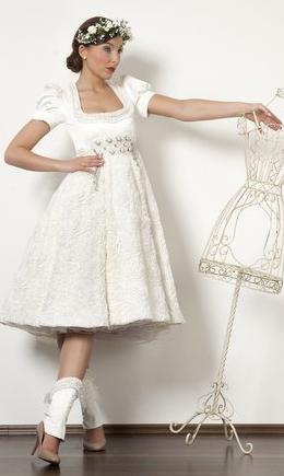 Schwarzwald Couture • Design Dirndl, Hochzeitsdirndl weiß
