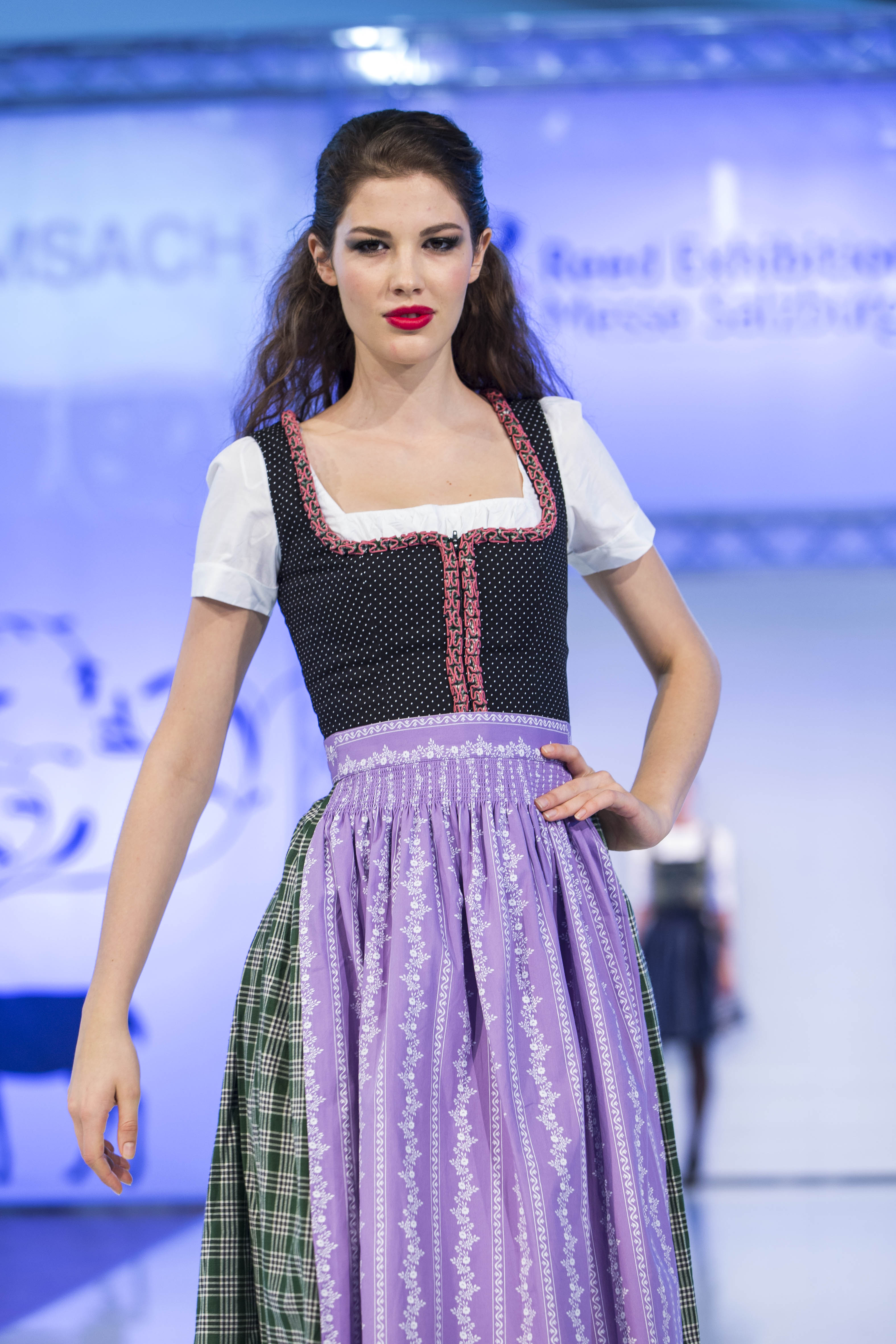 messe tracht country im messezentrum salzburg foto reed exhi dirndl. Black Bedroom Furniture Sets. Home Design Ideas