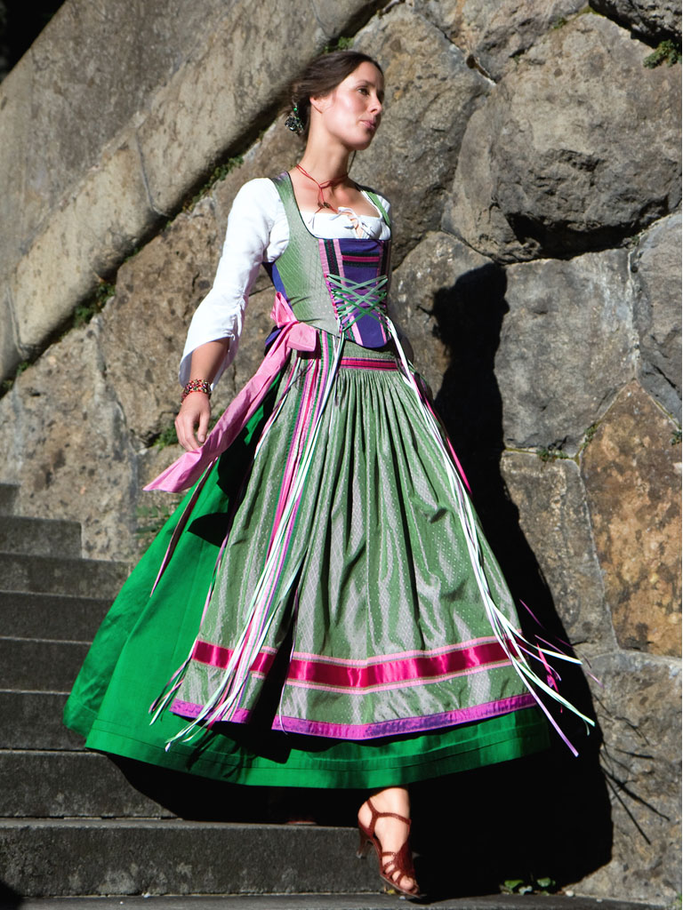 Historisches Couture Dirndl Michaela Keune