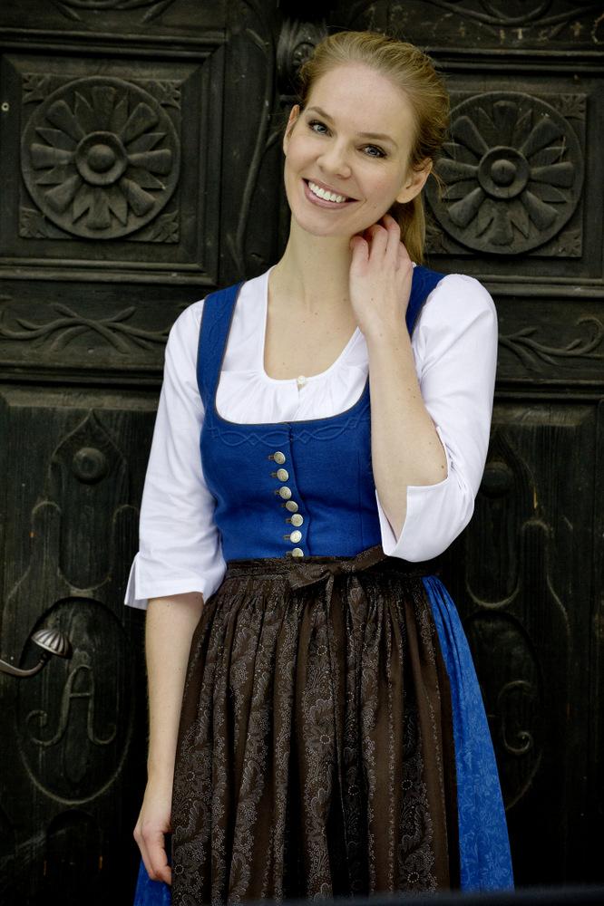 Dirndl im Salzburger Blau, Tostmann Trachten Dirndl