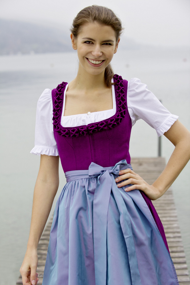 tostmann trachten am attersee und in wien dirndl 2014. Black Bedroom Furniture Sets. Home Design Ideas