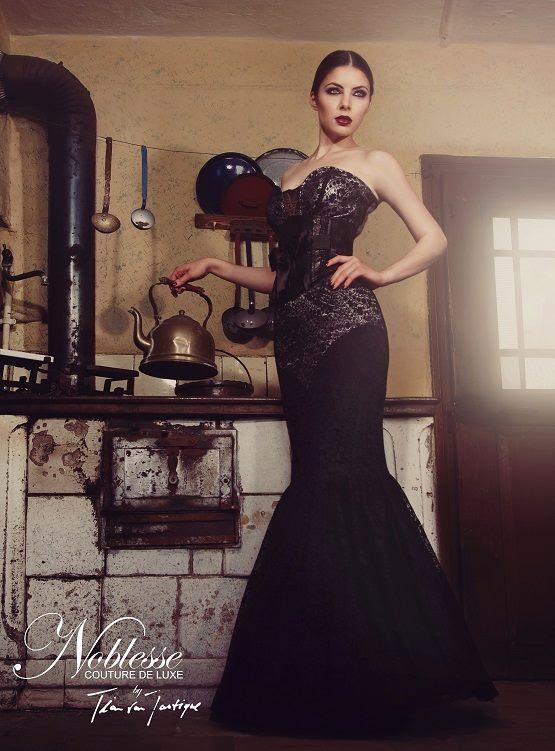 Abendkleid schwarz Tian van Tastique