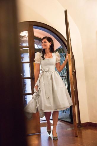 Susanne Spatt Brautkleider - Hochzeitsdirndl kurz
