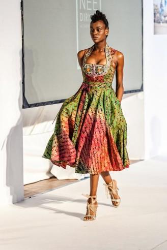 noh nee dirndl - afrikanische dirndl - batik-print dirndl
