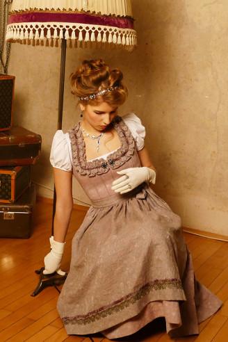 Festliches Dirndl - Dilba Couture Dirndl