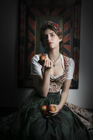 Lena Hoschek Winterdirndl 2017/2018