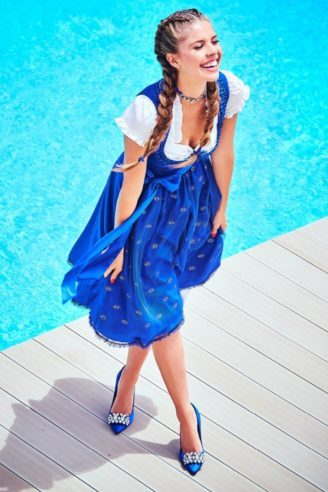 Königsblaues Dirndl aufwändig gearbeitet, aus der Candy Collection made by Victoria Swarovski von Krüger,
