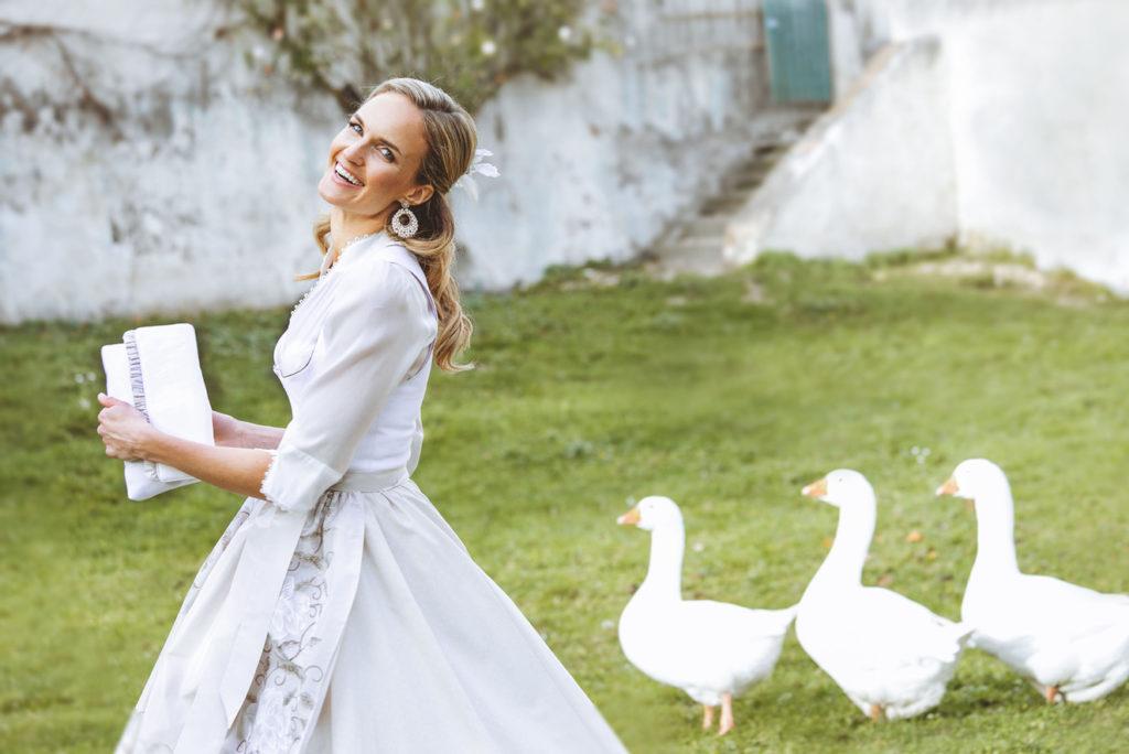 Fantastische Brautdirndl zur Trachtenhochzeit bei Susanne Spatt
